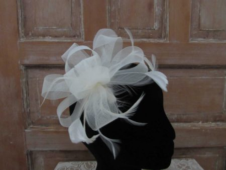 Ivory looped fascinator