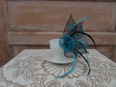 Two tone flower fascinator black and blue