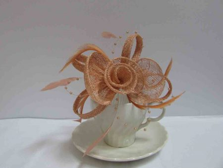 Sinamay fascinator in nude