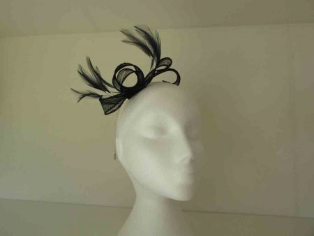 Looped fascinator in navy