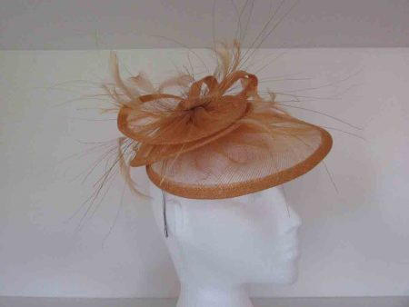 Triple circular fascinator in gold