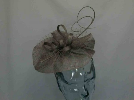 Simanay fascinator with double quill in brown
