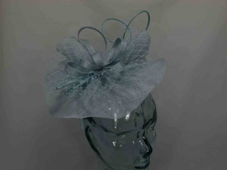 Simanay fascinator with double quill in mint