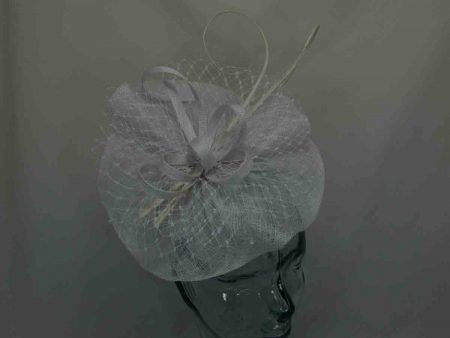 Simanay fascinator with double quill in white