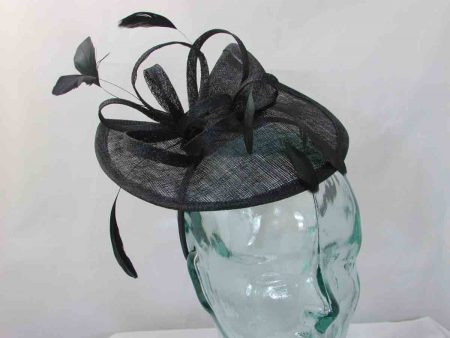 Split brim fascinator in black