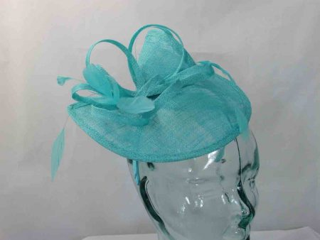 Split brim fascinator in turquoise
