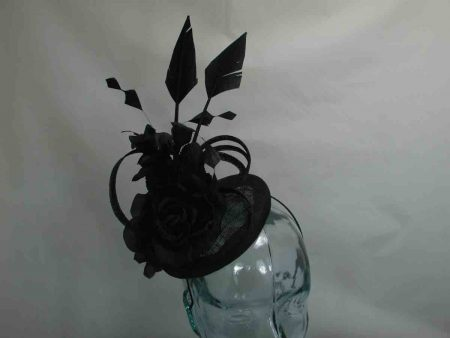 Small pillbox fascinator in black