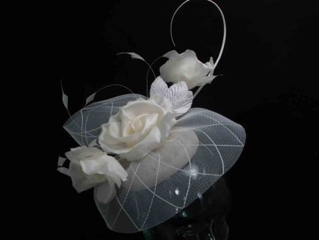Crin and flower fascinator in ivory
