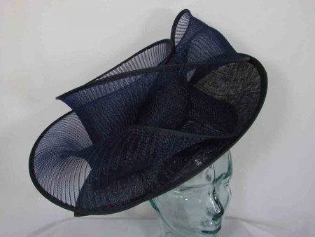 Pleated crin hatinator in navy
