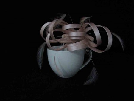 Satin fascinator in nude