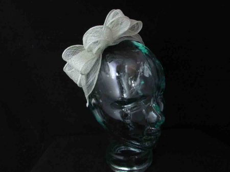 Sinamay bow fascinator in mint