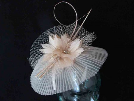 Pleated crin fascinator in champagne