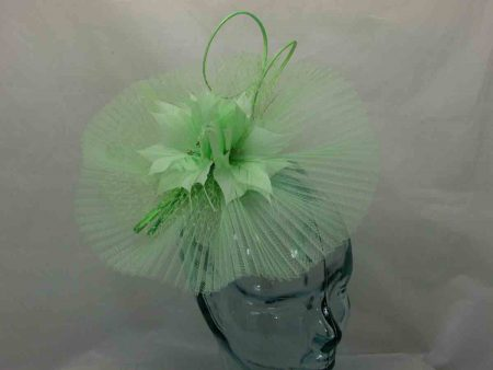 Pleated crin fascinator in lime