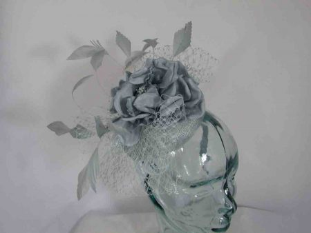 Pill box with large flower in cloud silver