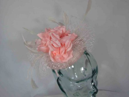 Pill box with large flower in ice pink