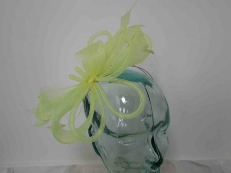 Crin fascinator in lime