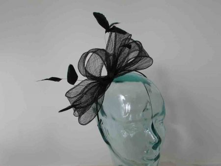 Looped sinamay fascinator in black