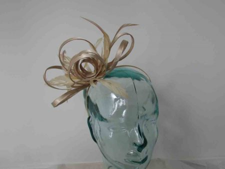 Looped satin fascinator in gold