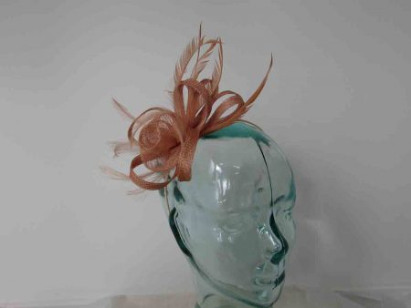 Sinamay fascinator with flower in nude