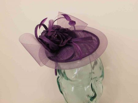 Mini hatinator with flower in majesty