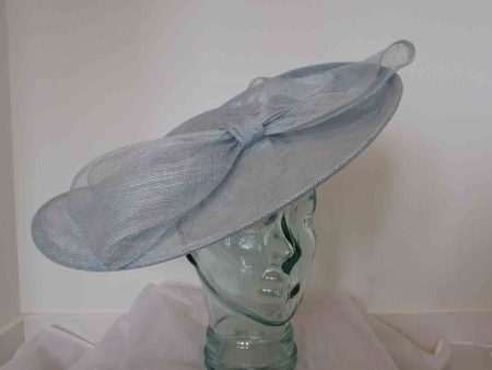 Large hatinator with bow in bluebell