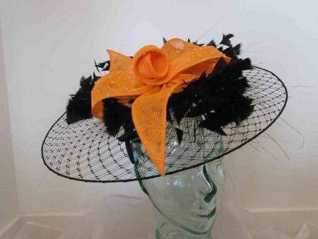 Veiling disc in black with orange sinamay flower