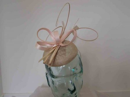 Pillbox fascinator with satin loops in blush