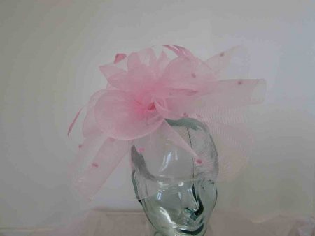 Crin spotted fascinator in parfait pink