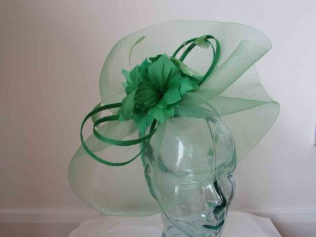 Large crin fascinator in summer green