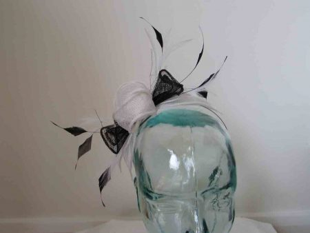 Double flower fascinator in white and black