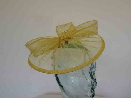 Sinamay fascinator with sinamay bow in daffodil