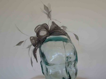 Double flower fascinator in mercury