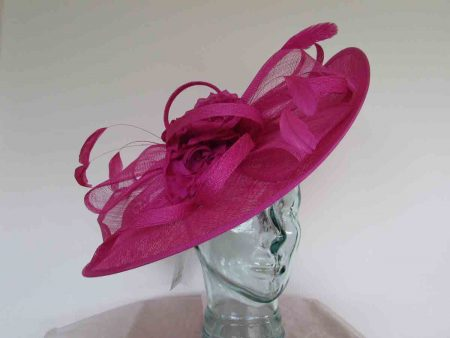 Large hatinator with flower in magenta