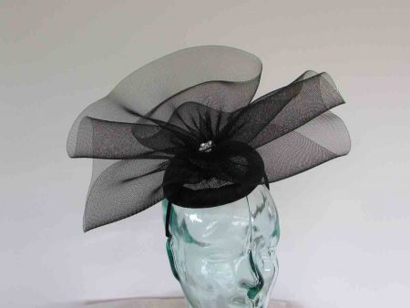 Pillbox crin fascinator in black