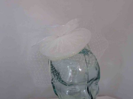 Pillbox fascinator with chiffon flower in ivory