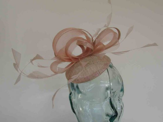 Pillbox fascinator with crin loop in rose gold