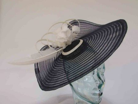 Large pleated crin fascinator in navy with ivory flowers