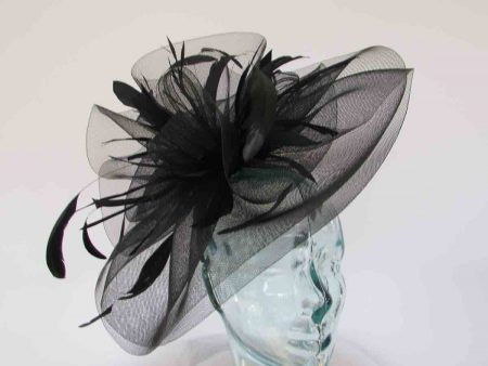 Layered crin fascinator in feathers in Black