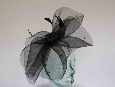 Crin fascinator with spots in black
