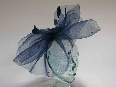 Crin fascinator with spots in navy