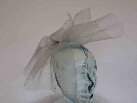 Crin fascinator with spots in silver