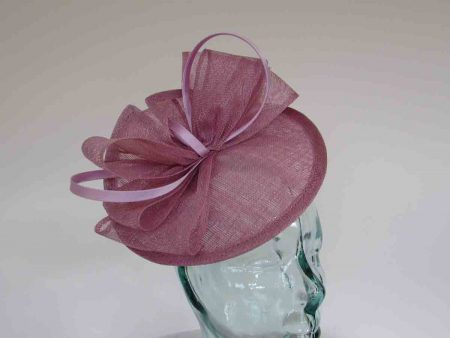 Fascinator with satin and crin loops in lilac