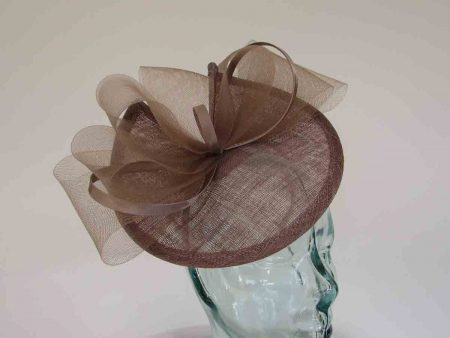 Fascinator with satin and crin loops in mocha brown