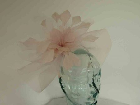Crin fascinator with feathered flower in petal pink