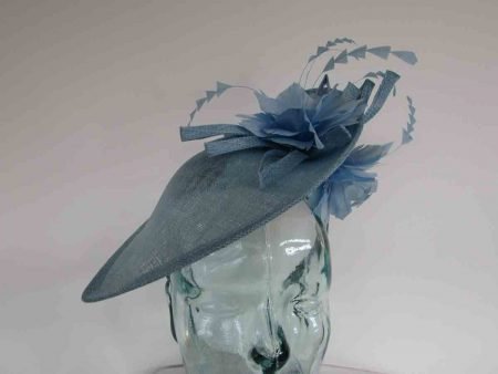 Teardrop fascinator with flowers in vista blue