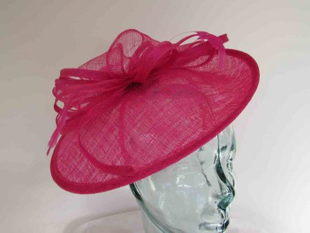 Small oval hatinator in Calypso pink