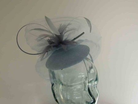 Satin pillbox with crin in air blue