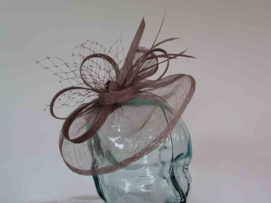 Small sinamay fascinator with netting in mink