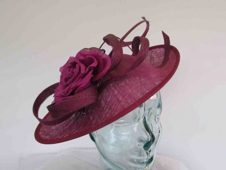 Oval hatinator with double quill in deep peony