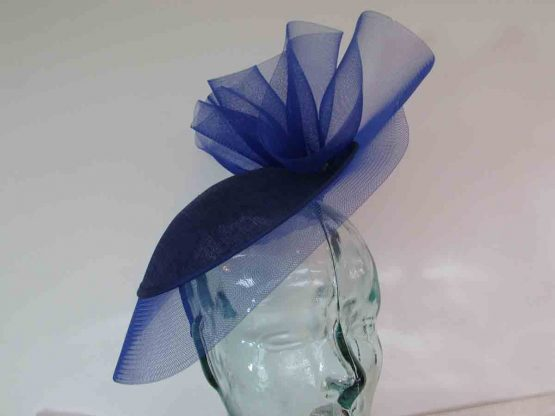 Small hatinator with crin brim in cobalt blue